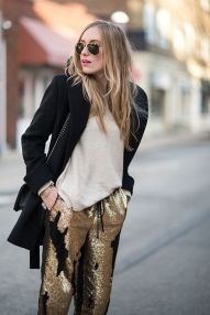 4de978fb0b407fd2708d34e83f765db2--sequin-pants-gold-pants
